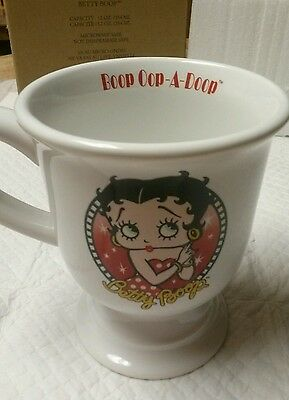 2006 Betty Boop Collectible Pedestal Mug 12oz New with box