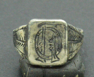 Post medieval period Silver Ring with inicials 18 Century. 3gr