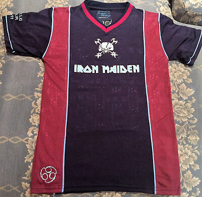 Vintage Iron Maiden T-Shirt Football Tour 2.011  Size -  S // Talla S