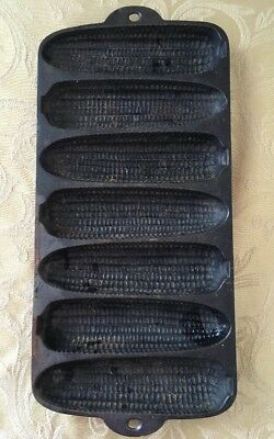 Vintage Cast Iron Corn Bread/Muffin Mold Krusty Korn Kobs/Cobs Wagner Ware 1920