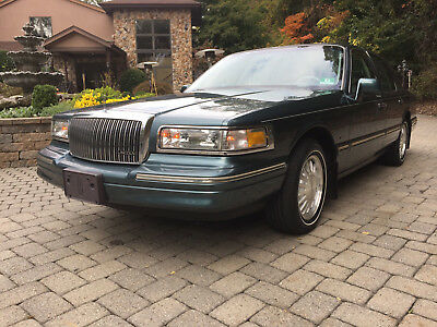 1996 Lincoln Town Car  1996 Lincoln Town Car Signature Series continental crown victoria grand marquis