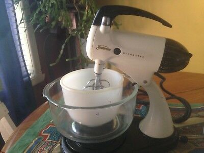 Retro White Seambeam Mixmaster 10 speed