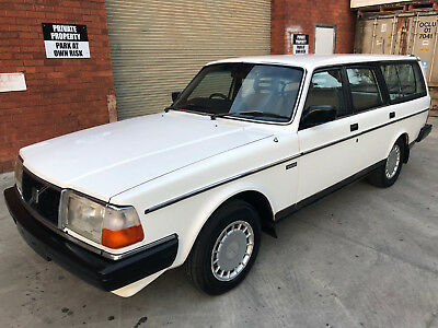 1986 Volvo estate 240 GL station wagon 7 SEAT Manual,Aircon,Power Steer BARGAIN!