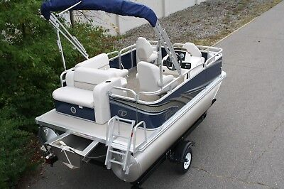 New 14 Ft pontoon boat with 25 and trailer