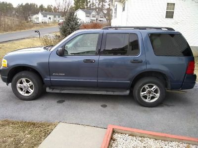 2004 Ford Explorer XLT Low Mileage, XLT, 4WD,3rd Row Seat