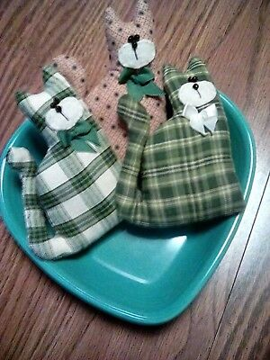 Primitive St. Patrick's Day Lucky Barn Cat Bowl Fillers Ornies Prim Set of 3