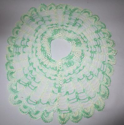 Vtg Hand crochet Lace Collar Variegated Green Victorian style 1960's Excellent