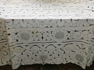 """Lovely Vintage Arts & Crafts Hand Embroidered Cutwork Linen Tablecloth 92"""" X 61"""""""