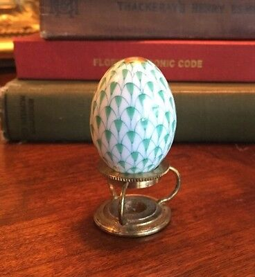 "Herend Green Fishnet Mini Egg 1 1/4"" H & Made In Holland Stand"