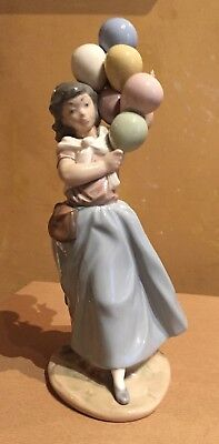 "Lladro Girl Holding Balloons 10 1/2"" Tall! Mint Condition! NR"