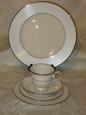 LENOX Opal Innocence Stripe Fine China Place Setting  5 Pieces  NEW WITH TAGS