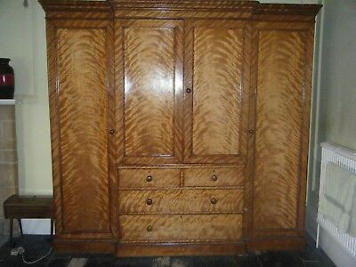 Lovely Antique Victorian Mahogany Breakfront Wardrobe, collection LE16