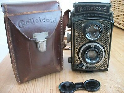 Rolleicord Camera with Carl Zeiss Triotar Lens