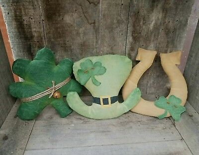 Primitive St Patrick's Day ~ Bowl Filler ~ Handmade ~ Shamrock Hat Horseshoe