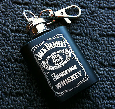 "JACK DANIELS ""Tennessee Whiskey"" Black 1oz Drink Hip Flask on Key Clip **NEW**"