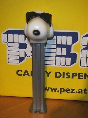 Pez-Peanuts-Snoopy- Mit Sonnenbrille-With Sun Glasses