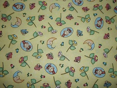 New Hand Made Bazoople Cutie Toss Yellow Fitted Crib/Toddler Sheet