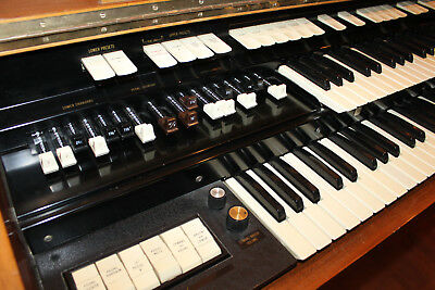 Hammond T200 Orgel