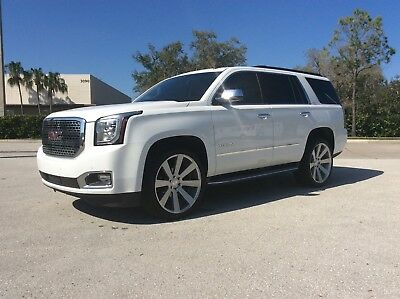 2015 GMC Yukon SLT GMC Yukon SLT *LOADED* 3rd row, Nav, Denali without the bodytrim