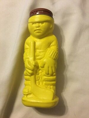 Vintage Domino Sugar 'n Cinnamon Toy Pak Yellow Hockey Player Spice Shaker