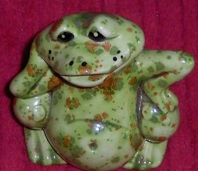 Vtg Ceramic Porcelain Green Speckled Happy Frog Figurine Art Pottery Hop Toad
