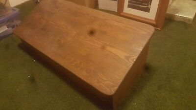 wooden lectern for table top