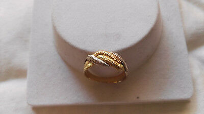 Solid 18ct 750 Trigold Ring 3.82g Size 8