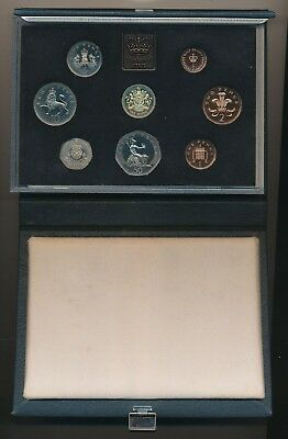 Great Britain: 1983 Standard 7-Coin Proof Set, including First Modern £1 Coin