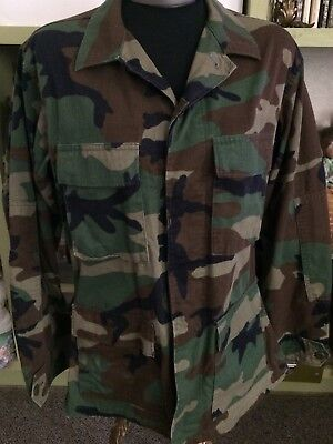 c4e588b454cb4 US Military Woodland Camouflage Camo Coat Jacket Small-Regular 8415-01-084-