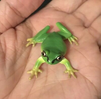 Kitan Club Nature Techni Colour Japanese Green Tree Frog Magnet Figure