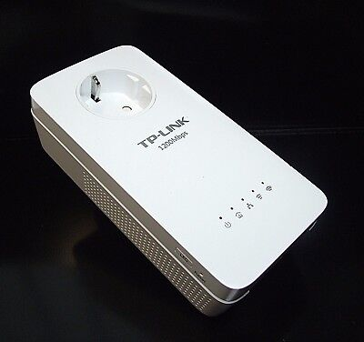 TP-Link TL-WPA8630P AV1200 WiFi Extender AC1200 Passthrough Powerline Adapter