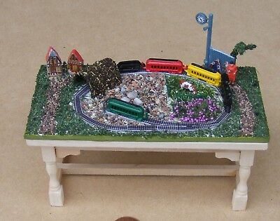 1:12 Scale Metal Train Set On A Scenic Board & Table Tumdee Dolls House Railway