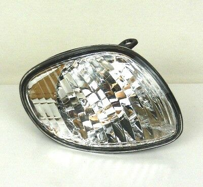 Toyota Corolla E11 2000-2001 Front Right Indicator Light Lamp O/S Driver - Clear