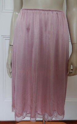 Warner's vintage purplish-pink lace-trimmed satin half-slip size 14 (US 10)
