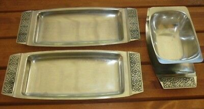 WILTSHIRE BURGUNDY Stainless Steel Biscuit Trays & Gravy Boat