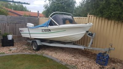 Quintrex Fishabout mk2 fishing boat