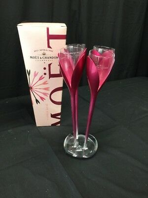 Moët & Chandon Champagne Flutes  4 Pink Tulip Glasses In Stand BNIB