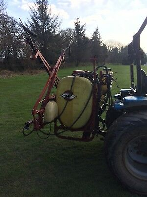 Hardi 300 litre tractor mounted sprayer with blobber