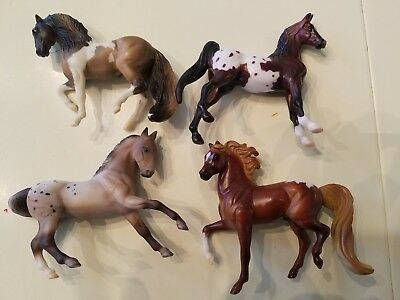 LOT of 4 Breyer Reeves Horses. Beautiful vintage 1999 collectible!