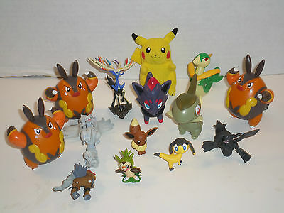 Pokemon Figures Mixed Lot Of 14 Very Cool