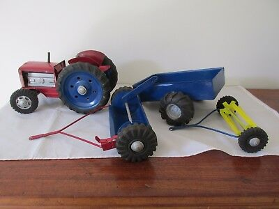 Vintage Australian Tin  Wyn Toy Tractor and Three Accessories One Boomaroo Toys