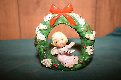 Vintage NAPCO Christmas Angel Girl in Wreath Doves Bow Spaghetti F272 Figurine