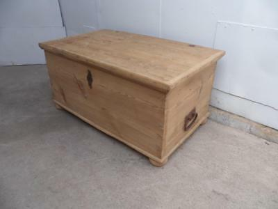 A Superb Georgian Antique/Old Pine Large Coffer Box/Coffee Table to Wax/Paint