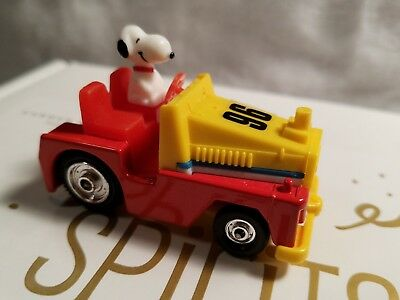 vintage Aviva no.c11 snoopy in tow truck mint