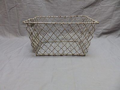 Vtg Wire Basket Gym Locker Swimming Pool Unique Diamond Old Drop Handle 656-18P