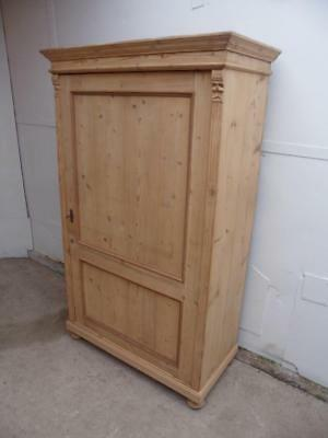 A Lovely Victorian Antique/Old Pine Large 1 Door 2 Panel Storage Cupboard