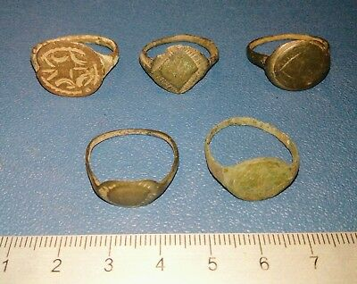 Lot of Five Post Medieval bronze Ring 16-17th century.