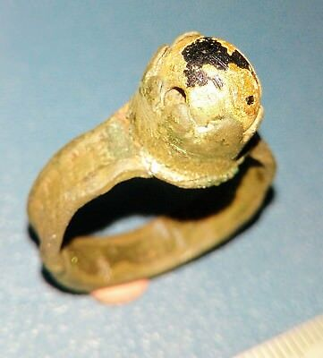 Post Medieval bronze Ring 15-17th century.
