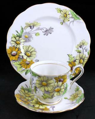 Royal Albert FLOWER OF THE MONTH (HAMPTON SHAPE) Trio Daisy GOOD CONDITION