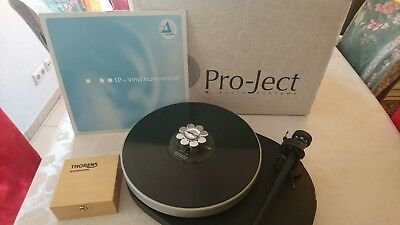 Pro-Ject RPM 4 Record Player Turntable Plattenspieler + Thorens Stabilizer OVP